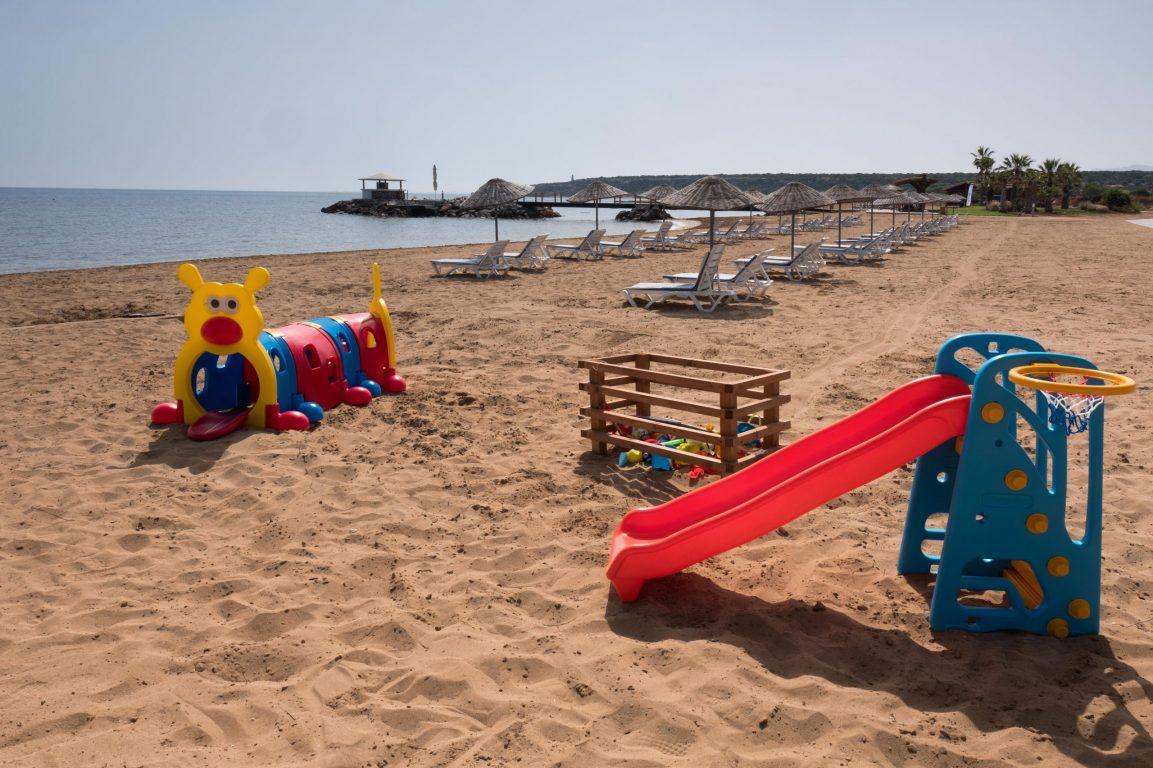 thalassa beach kids play area May 2019 (1)